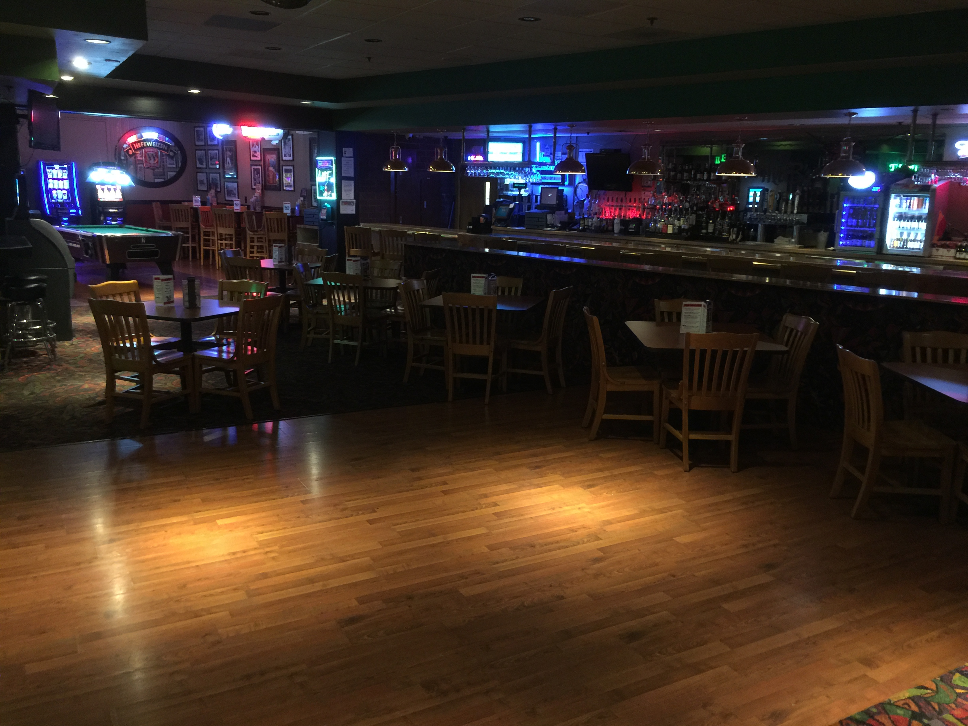mr b's bar and lounge dance floor