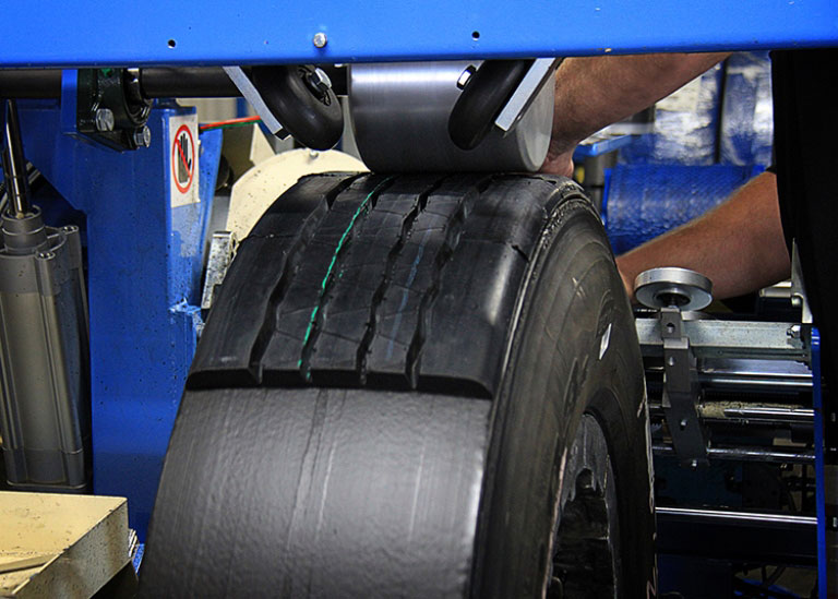 retread tire during manufacturing process